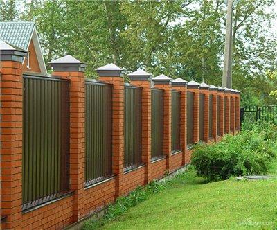 Фото: Комбинированный забор из