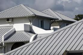 Фото: Крыша из профнастила