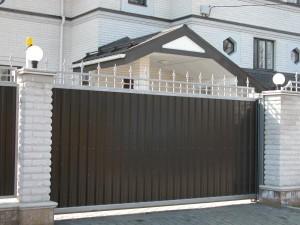 Фото: Откатные ворота из профнастила