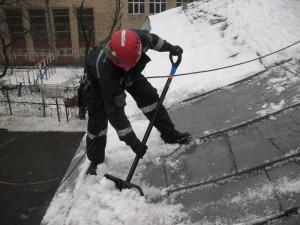 Фото: Снег на крыше - очистка
